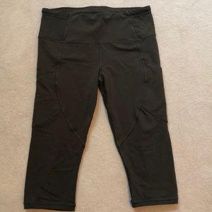 Lululemon olive cropped leggings, size 10
